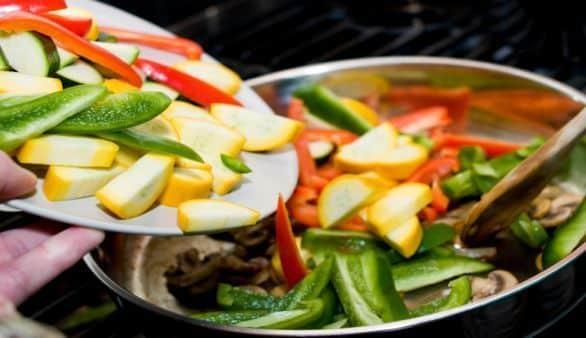 So lässt sich beim Kochen Fett sparen